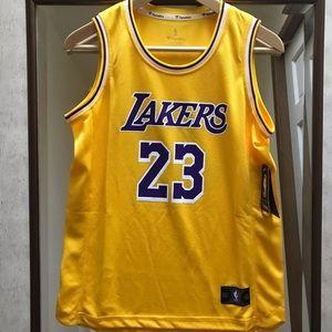 NWT LA Lakers Lebron James #23 Jersey - Youth L
